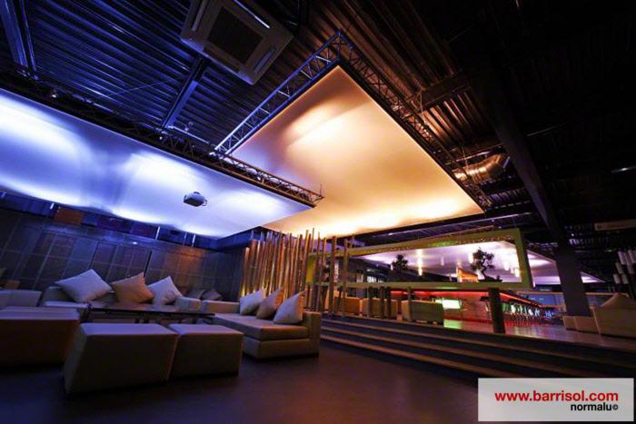 plafond tendu lumineux sur cadres modulaires barrisol. Black Bedroom Furniture Sets. Home Design Ideas