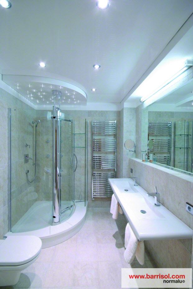 Plafond tendu mat avec eclairage par spots int gr s for Refaire un faux plafond