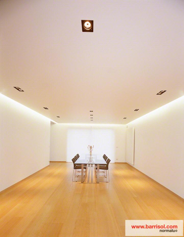 photos de plafonds tendus dans des salles manger avec spots int gr s. Black Bedroom Furniture Sets. Home Design Ideas