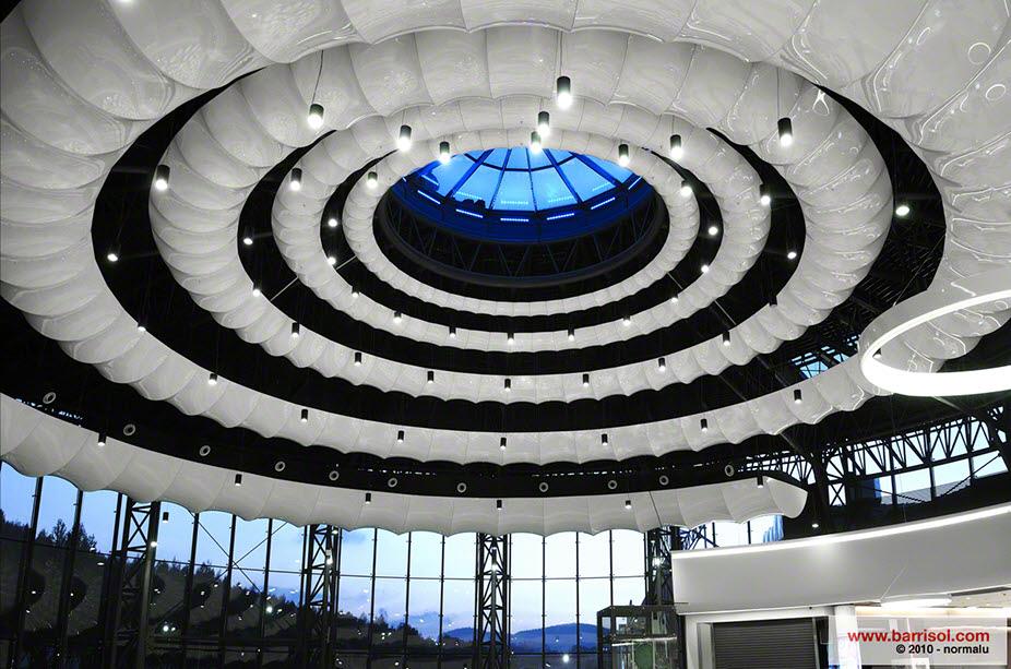 Centro comercial Victoria <br><p style='text-transform: uppercase; color: #6F6F6F;'>Poland</p>