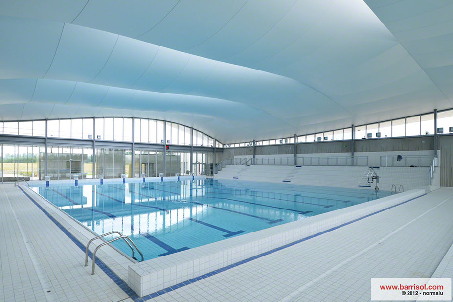 Piscine val d 39 europe france projet d 39 exception barrisol for Piscine de val d europe