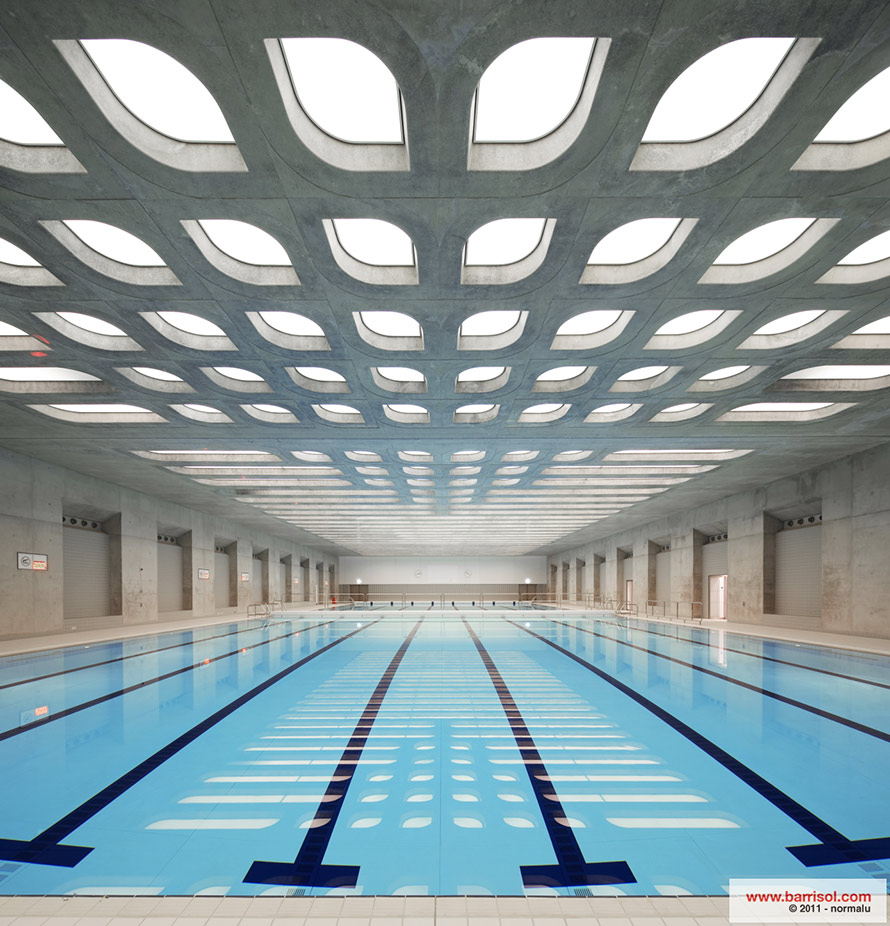 Aquatics Center <br><p style='text-transform: uppercase; color: #6F6F6F;'>Angleterre</p>